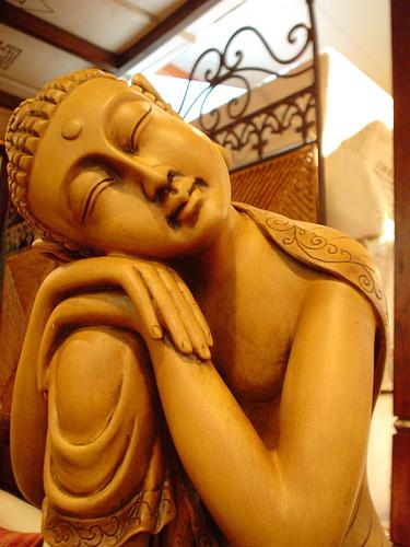 Sleping Buddha, Bouddha dormant  --  souce : cliquer.