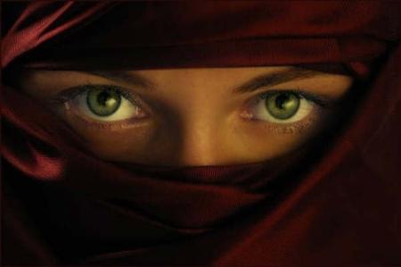 femme_niqab_yeux