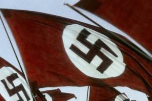 Le drapeau nazi.