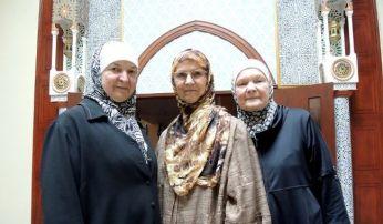 Yolande Tétreault, Suzette Gilbert et Mariam Tétreault sont musulmanes.