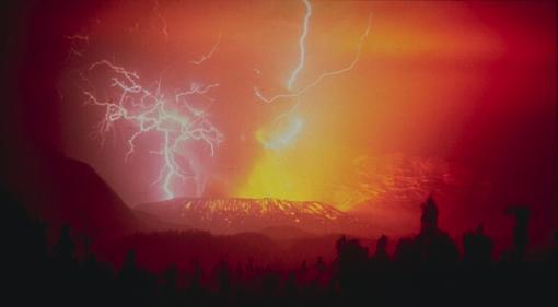 Une éruption du Galunggung, Us Geological Survey, 1982. Source : cliquer.